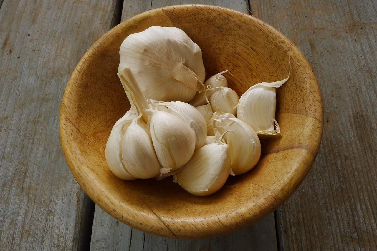 Benefits of Eating Raw Garlic