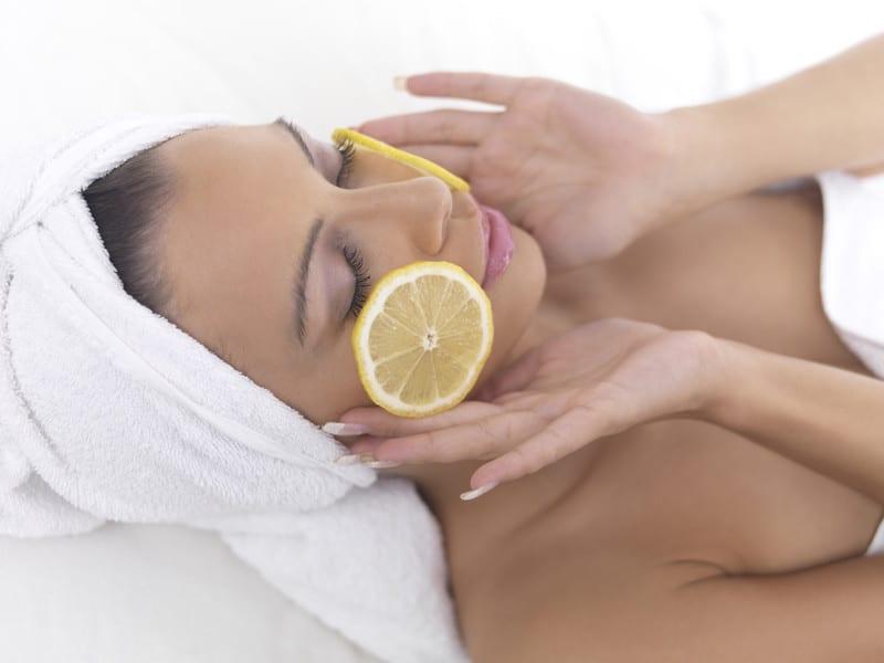 Lemon on the skin